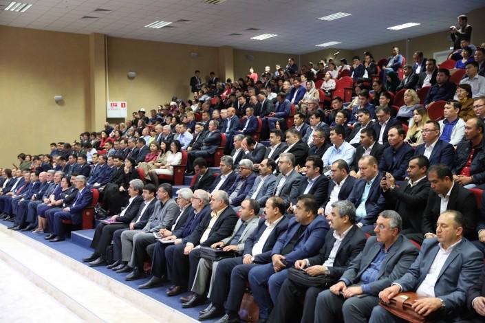 Депутаты Мажилиса Парламента РК во время выезда в Мангистаускую область приняли участие во встрече с делегацией Ирана
